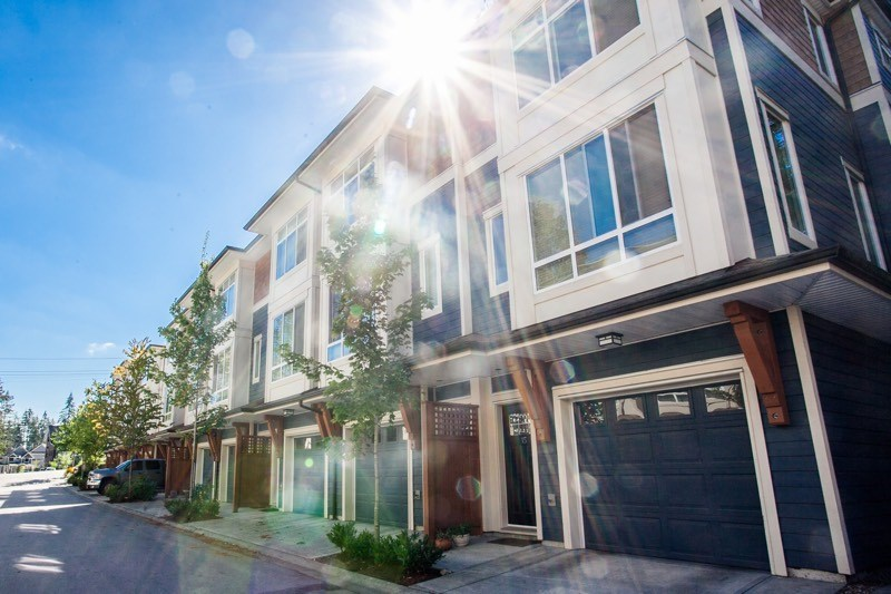 "Main Photo: 15 2929 156 Street in Surrey: Grandview Surrey Townhouse for sale in ""TOCCATA"" (South Surrey White Rock)  : MLS® # R2104038"