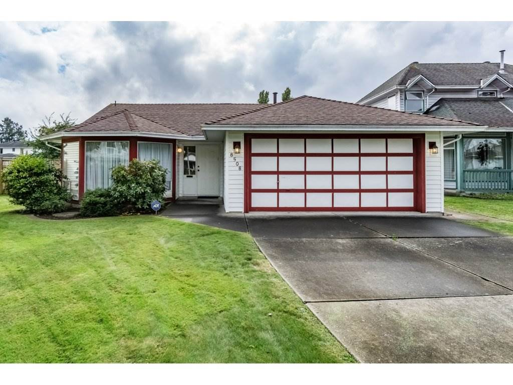 "Main Photo: 8508 121 Street in Surrey: Queen Mary Park Surrey House for sale in ""JANIS PARK"" : MLS® # R2113584"