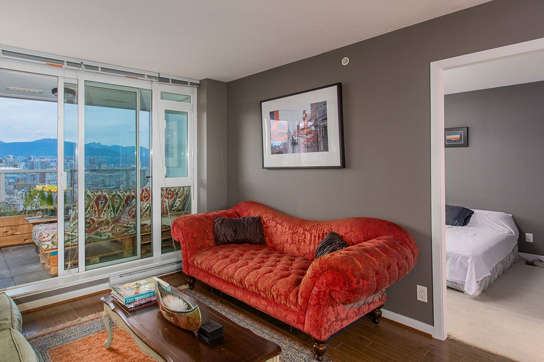 "Photo 8: 802 2770 SOPHIA Street in Vancouver: Mount Pleasant VE Condo for sale in ""STELLA"" (Vancouver East)  : MLS® # R2121936"