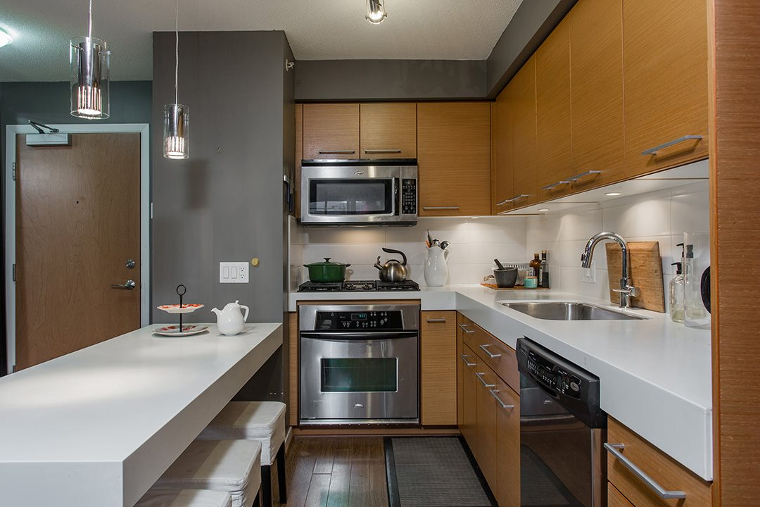 "Photo 3: 802 2770 SOPHIA Street in Vancouver: Mount Pleasant VE Condo for sale in ""STELLA"" (Vancouver East)  : MLS® # R2121936"