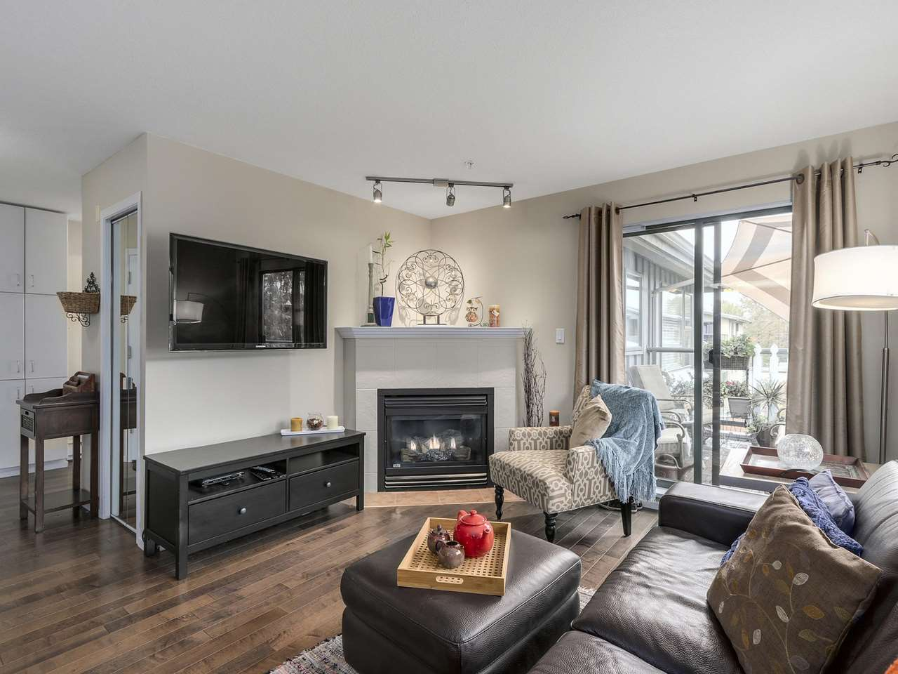 "Photo 14: 410 260 NEWPORT Drive in Port Moody: North Shore Pt Moody Condo for sale in ""THE MCNAIR"" : MLS(r) # R2130250"
