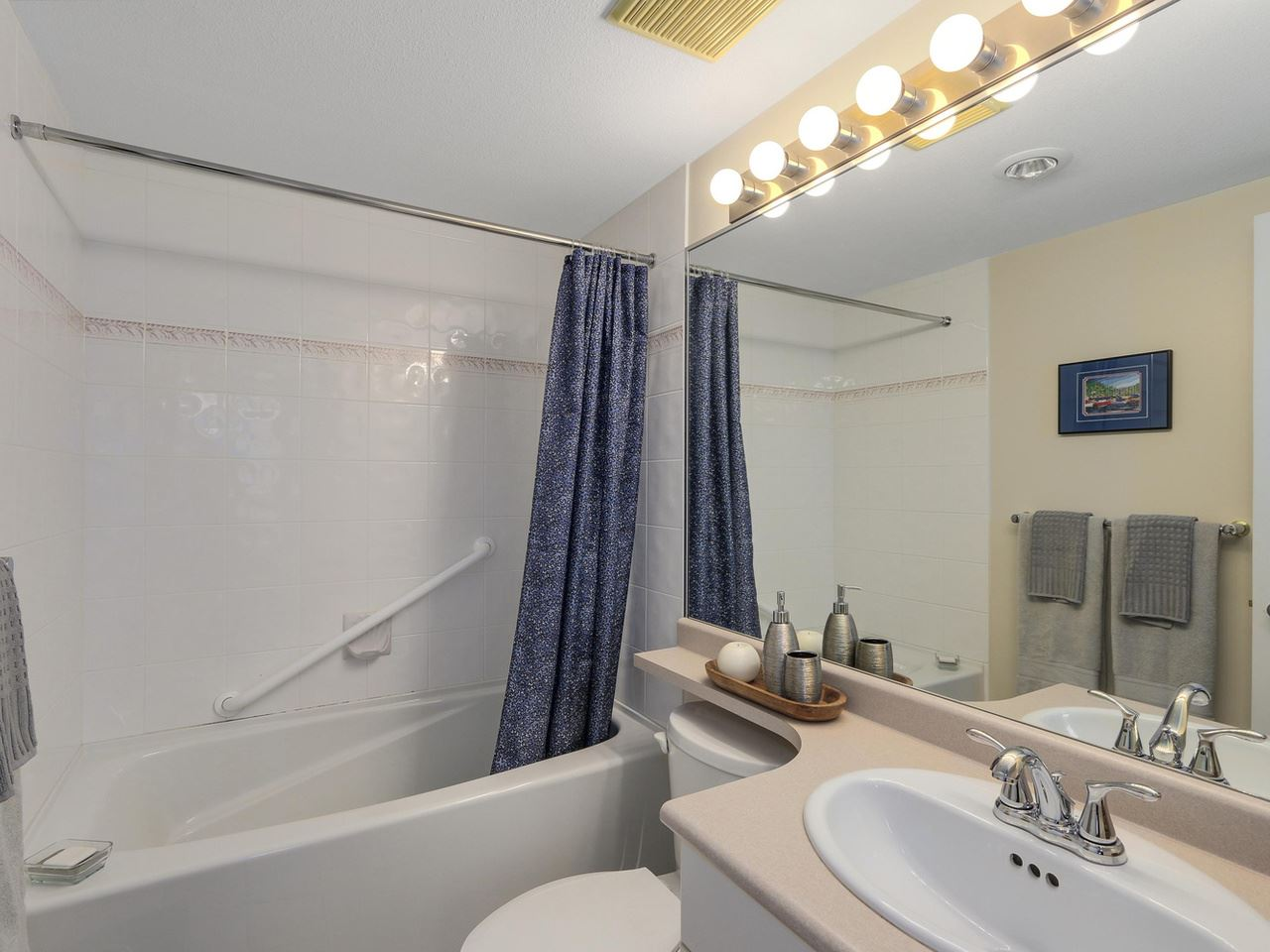 "Photo 8: 410 260 NEWPORT Drive in Port Moody: North Shore Pt Moody Condo for sale in ""THE MCNAIR"" : MLS(r) # R2130250"