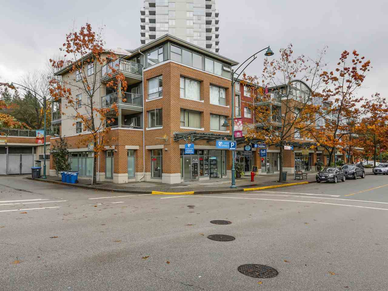 "Main Photo: 410 260 NEWPORT Drive in Port Moody: North Shore Pt Moody Condo for sale in ""THE MCNAIR"" : MLS® # R2130250"