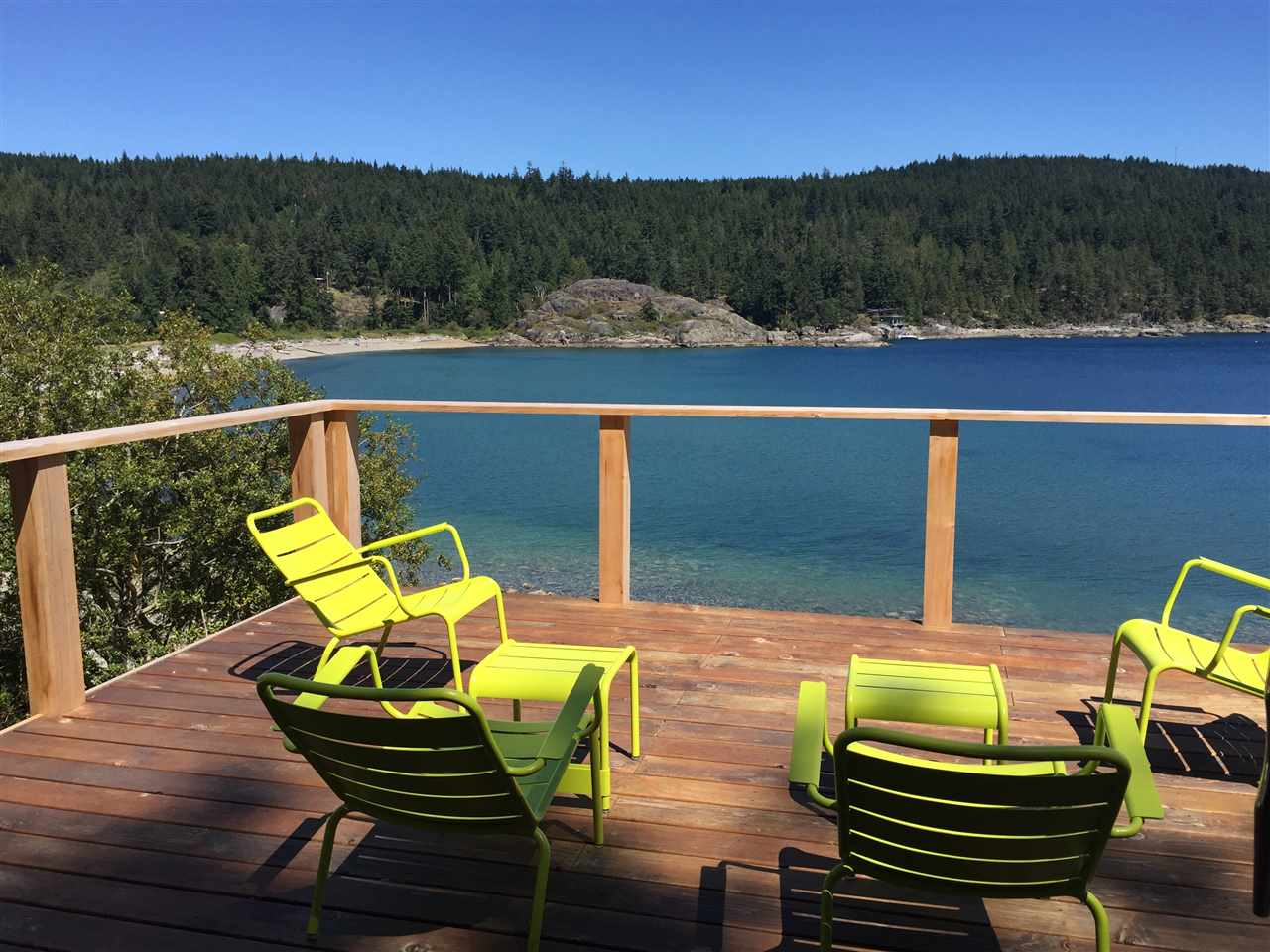 Main Photo: 7677 REDROOFFS Road in Halfmoon Bay: Halfmn Bay Secret Cv Redroofs House for sale (Sunshine Coast)  : MLS® # R2134916