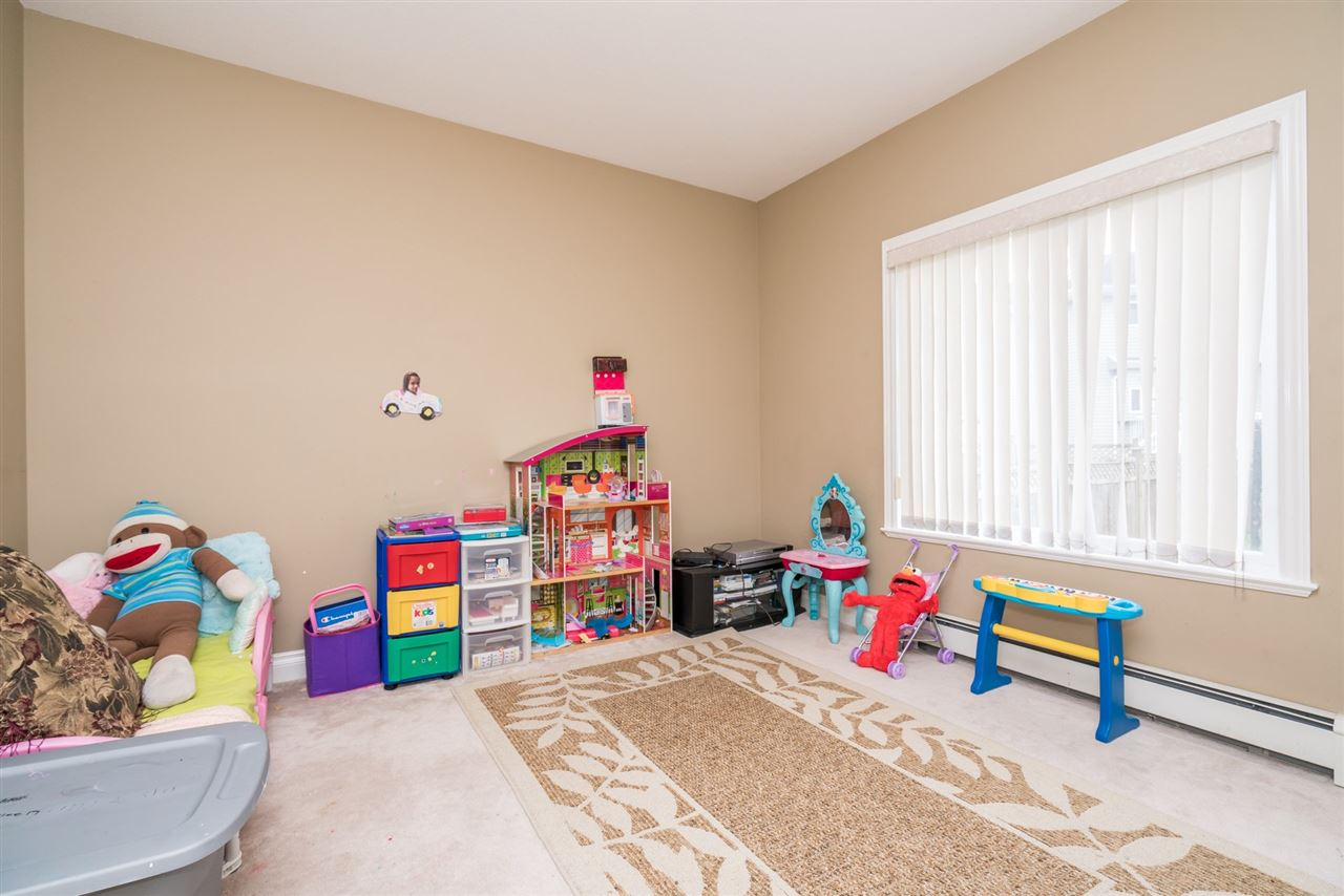 Photo 10: 14668 79 Avenue in Surrey: East Newton House for sale : MLS(r) # R2152001