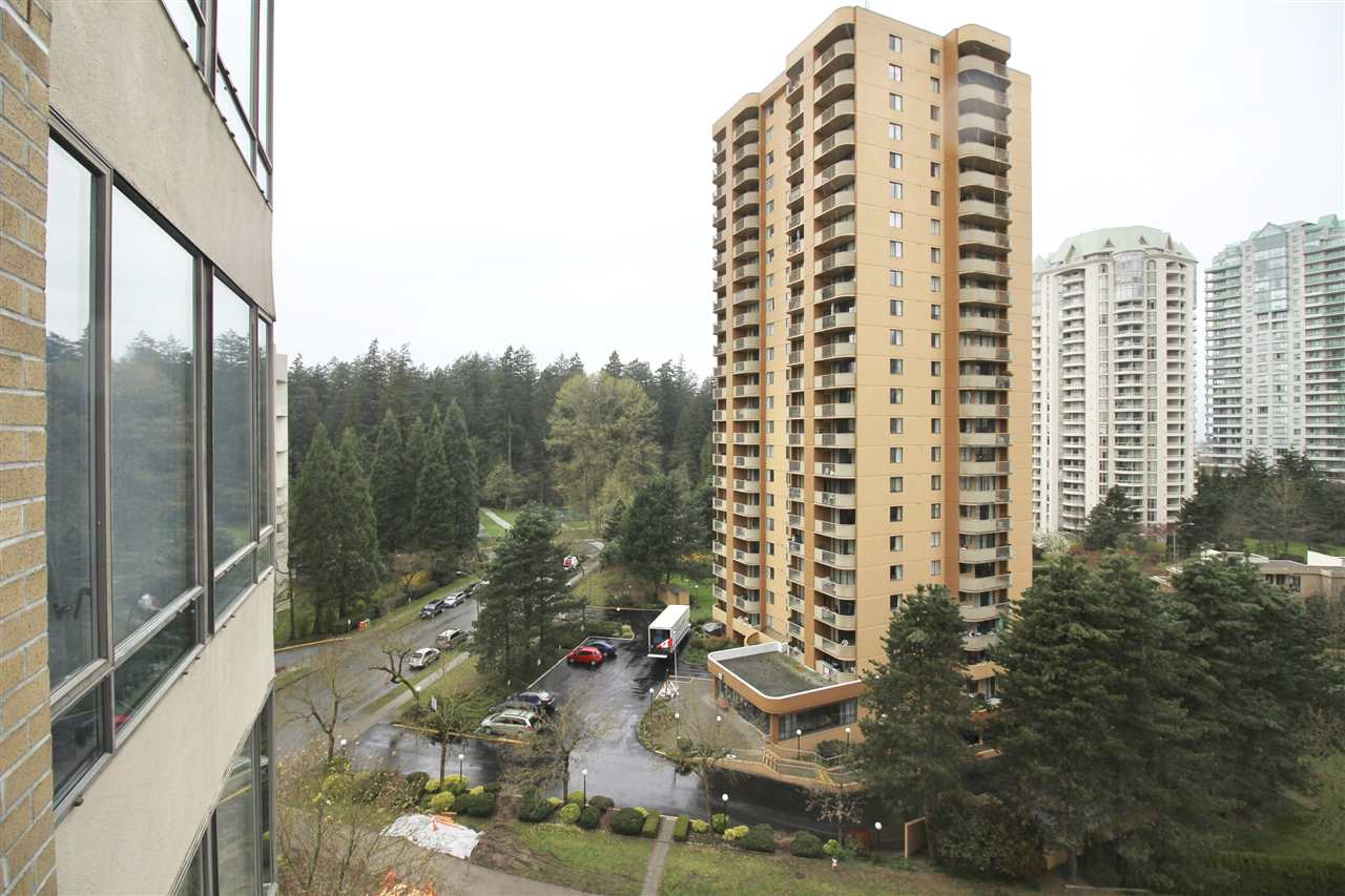 "Photo 12: 1003 6282 KATHLEEN Avenue in Burnaby: Metrotown Condo for sale in ""THE EMPRESS"" (Burnaby South)  : MLS® # R2156571"