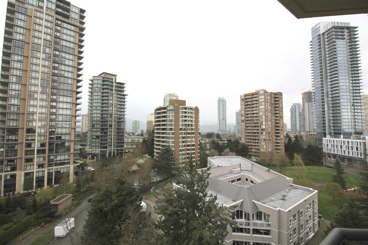 "Photo 11: 1003 6282 KATHLEEN Avenue in Burnaby: Metrotown Condo for sale in ""THE EMPRESS"" (Burnaby South)  : MLS® # R2156571"