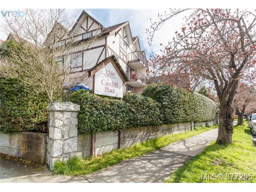 Main Photo: 301 1246 Fairfield Road in VICTORIA: Vi Fairfield West Condo Apartment for sale (Victoria)  : MLS® # 377205
