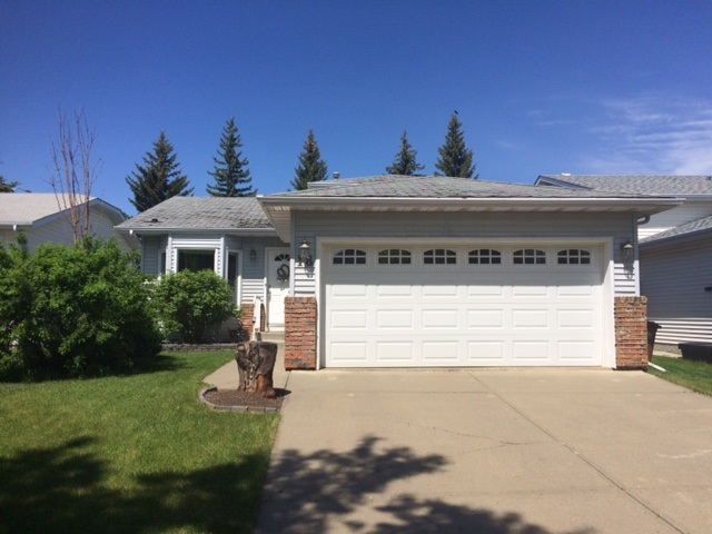 Main Photo: 18 LEPINE Place: St. Albert House for sale : MLS(r) # E4067249