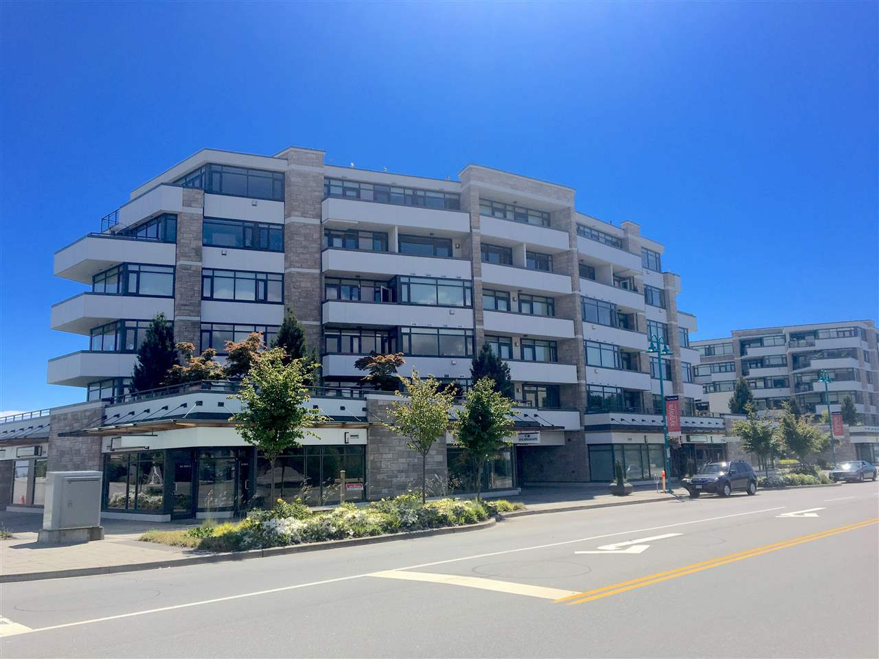 "Photo 2: Photos: 601 5665 TEREDO Street in Sechelt: Sechelt District Condo for sale in ""THE WATERMARK"" (Sunshine Coast)  : MLS® # R2174994"