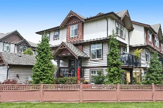 "Main Photo: 30 7332 194A Street in Surrey: Clayton Townhouse for sale in ""UPTOWN CLAYTON"" (Cloverdale)  : MLS(r) # R2176219"