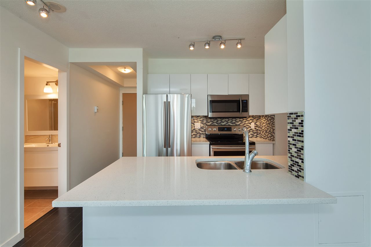 "Photo 7: 601 3438 VANNESS Avenue in Vancouver: Collingwood VE Condo for sale in ""Centro"" (Vancouver East)  : MLS(r) # R2178213"