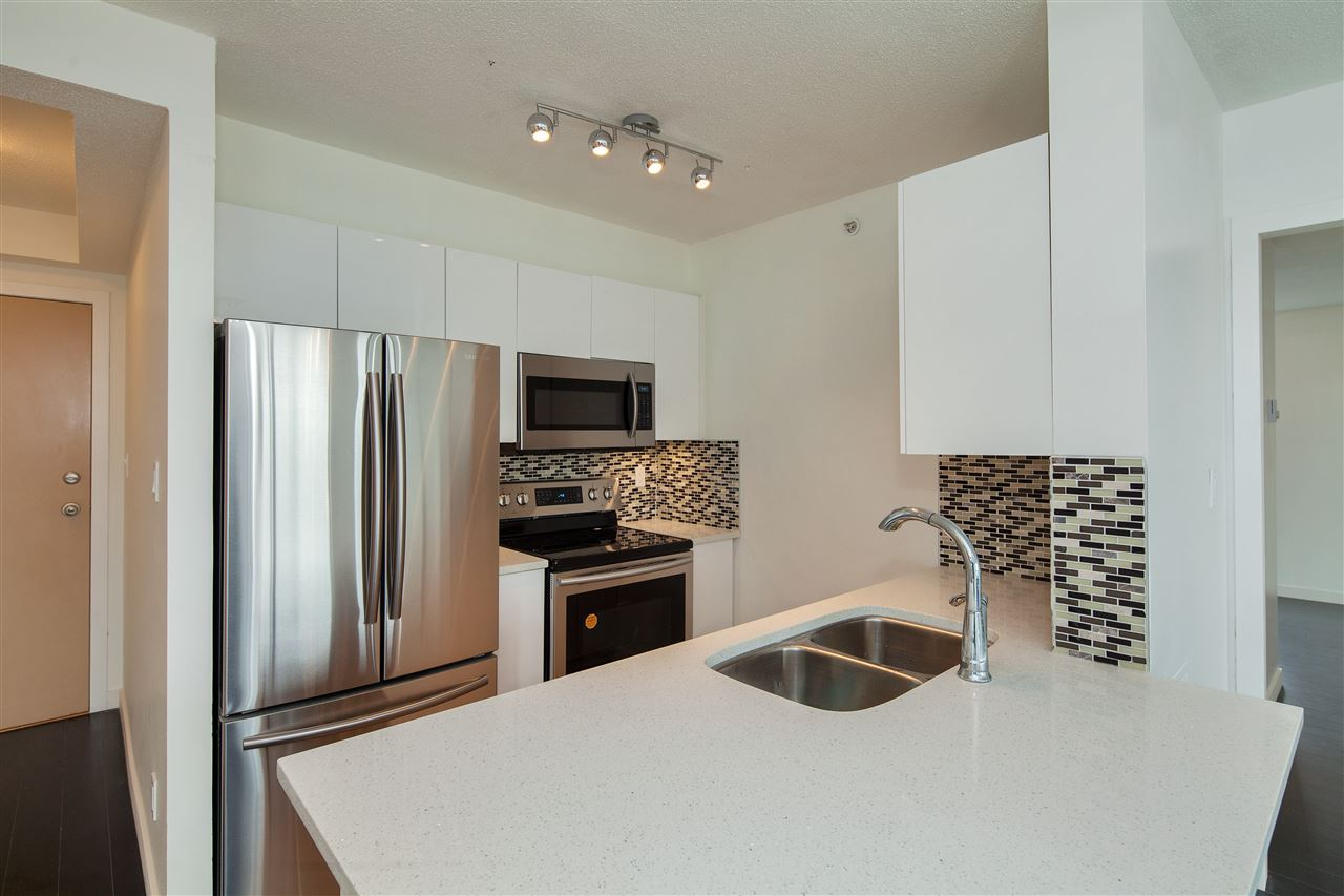 "Photo 6: 601 3438 VANNESS Avenue in Vancouver: Collingwood VE Condo for sale in ""Centro"" (Vancouver East)  : MLS(r) # R2178213"