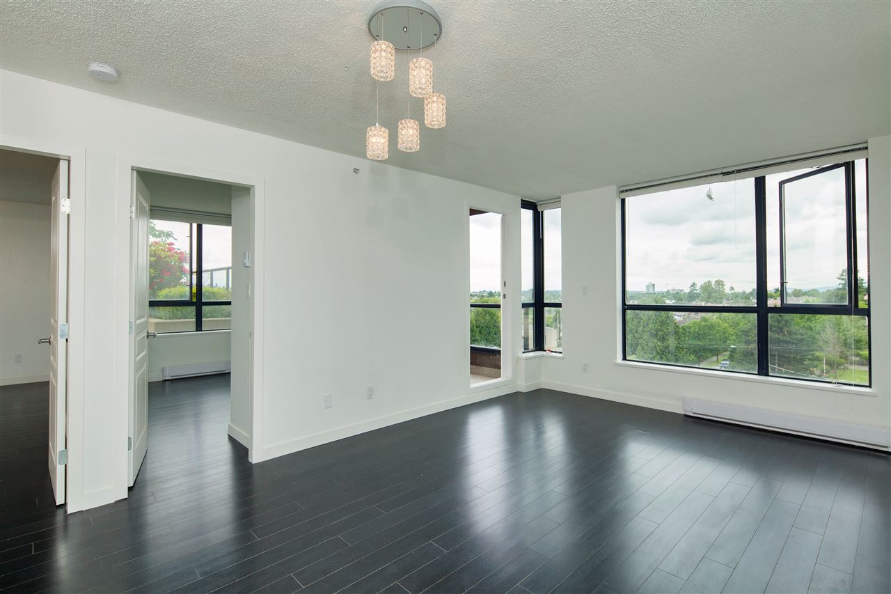 "Photo 2: 601 3438 VANNESS Avenue in Vancouver: Collingwood VE Condo for sale in ""Centro"" (Vancouver East)  : MLS(r) # R2178213"