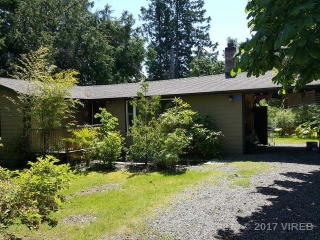 Main Photo: 172 FERN W ROAD in QUALICUM BEACH: Z5 Qualicum Beach House for sale (Zone 5 - Parksville/Qualicum)  : MLS(r) # 425219