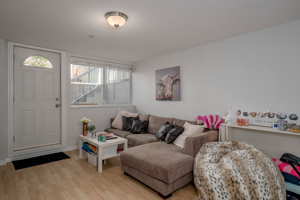 Photo 33: Photos: 5938 SHERBROOKE Street in Vancouver: Knight House for sale (Vancouver East)  : MLS®# R2183421