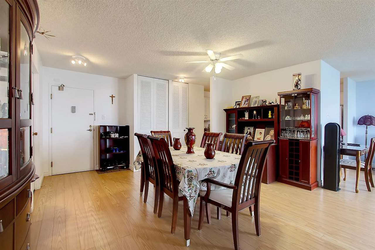 Photo 6: 402 9923 103 Street in Edmonton: Zone 12 Condo for sale : MLS® # E4074761