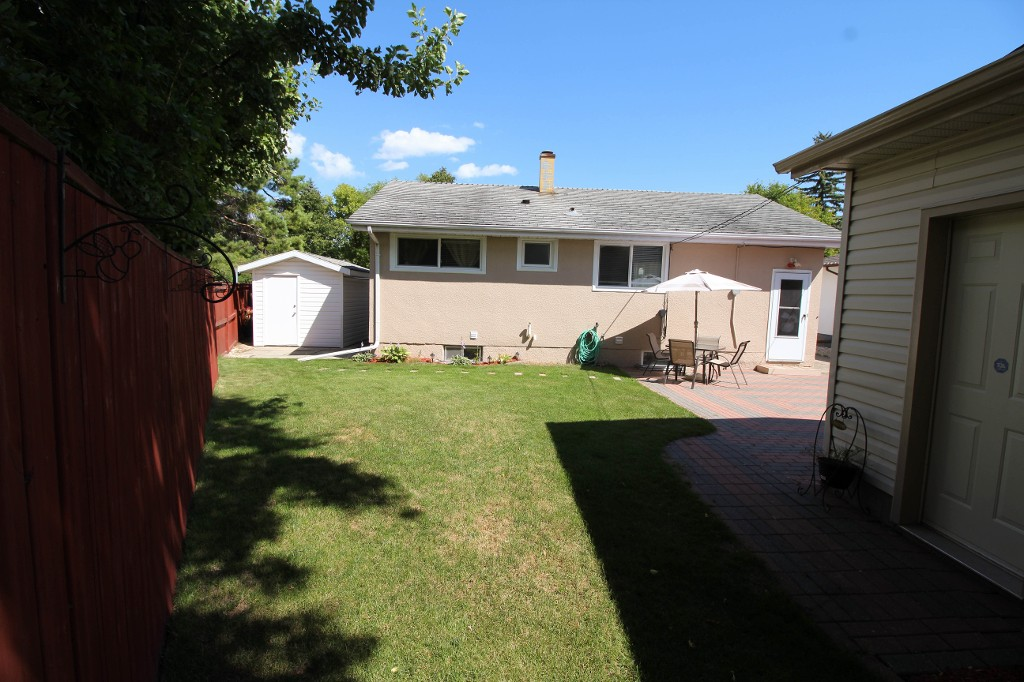 Photo 17: 159 Harper Ave in Winnipeg: Windsor Park Single Family Detached for sale (2G)  : MLS® # 1721658