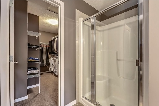 Master Bath/Walk-In Closet