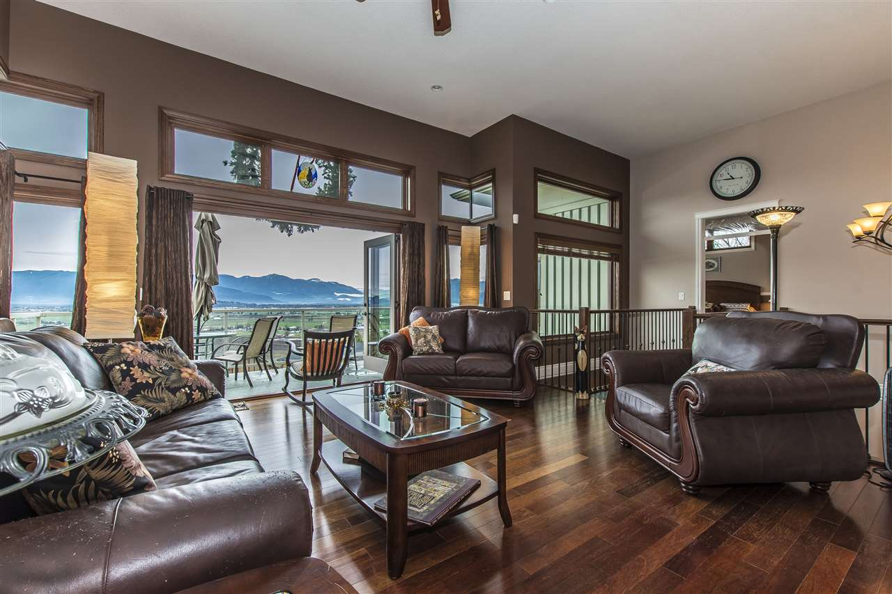 "Photo 15: Photos: 7288 MOUNT THURSTON Drive in Chilliwack: Eastern Hillsides House for sale in ""Elk Mountain Estates"" : MLS® # R2222225"