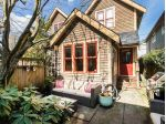 Main Photo: 635 E GEORGIA Street in Vancouver: Mount Pleasant VE House 1/2 Duplex for sale (Vancouver East)  : MLS® # R2248651