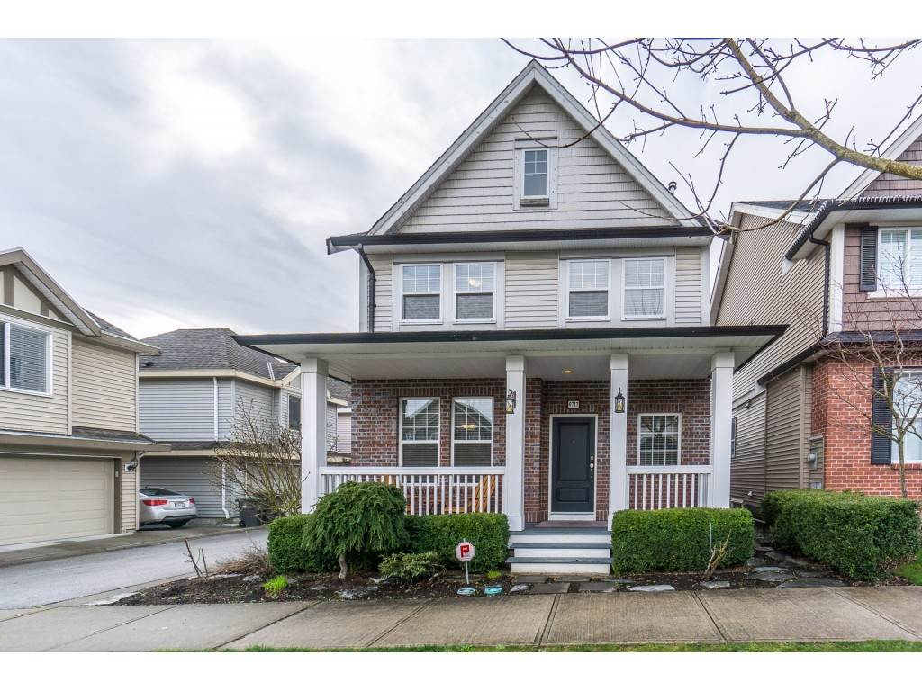 Main Photo: 6717 193A Street in Surrey: Clayton House for sale (Cloverdale)  : MLS®# R2250913