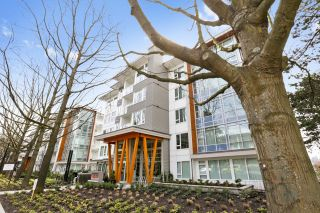 "Main Photo: 313 277 W 1 Street in North Vancouver: Lower Lonsdale Condo for sale in ""West Quay"" : MLS®# R2252206"