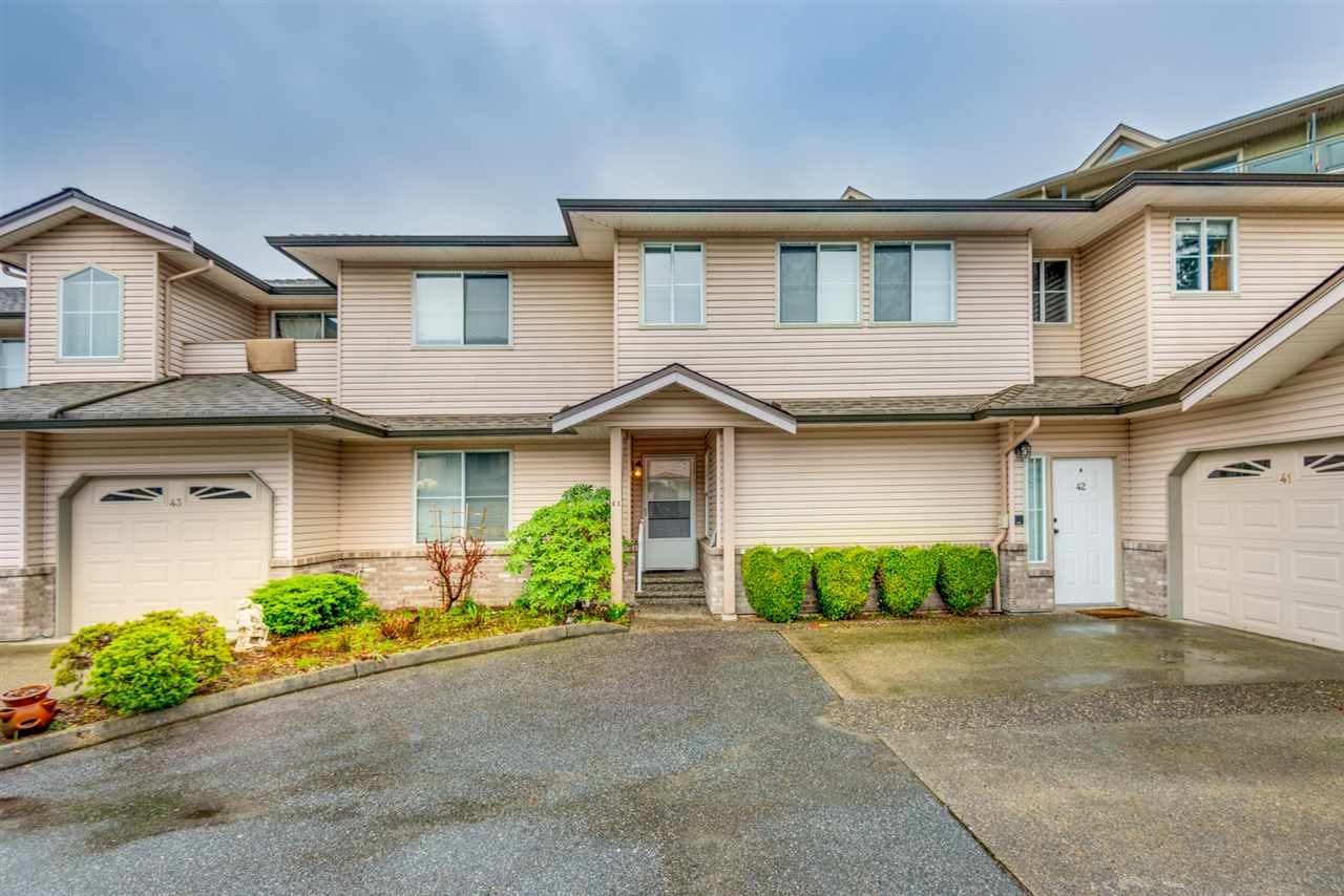 "Main Photo: 41 19060 FORD Road in Pitt Meadows: Central Meadows Townhouse for sale in ""REGENCY COURT"" : MLS®# R2253016"