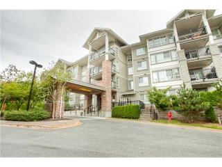 Main Photo: 215 9233 GOVERNMENT Street in Burnaby: Government Road Condo for sale (Burnaby North)  : MLS(r) # V913282