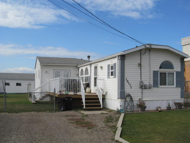 Main Photo: 10572 102ND Street: Taylor Manufactured Home for sale (Fort St. John (Zone 60))  : MLS® # N239691