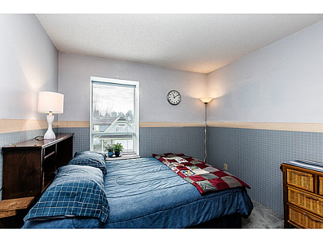 Photo 4: 2977 ALBION Drive in Coquitlam: Canyon Springs House for sale : MLS(r) # V1101690