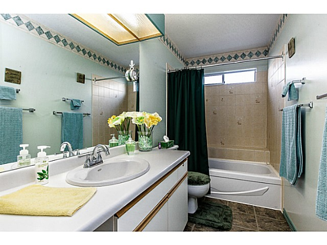 Photo 5: 2977 ALBION Drive in Coquitlam: Canyon Springs House for sale : MLS(r) # V1101690