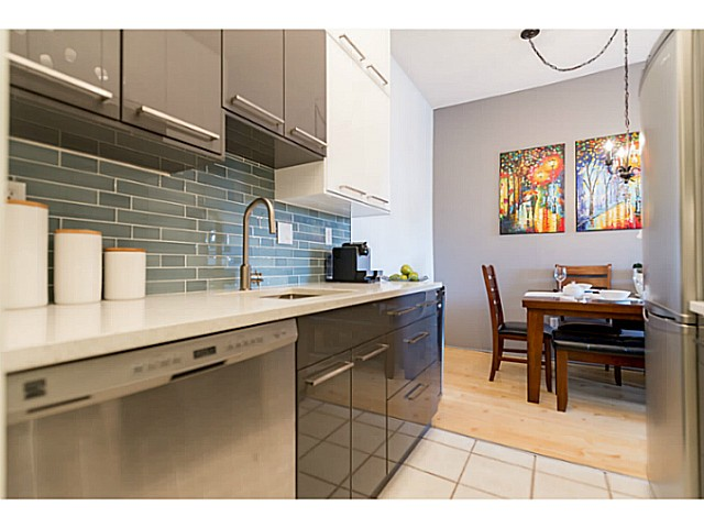 "Main Photo: 214 1345 W 15TH Avenue in Vancouver: Fairview VW Condo for sale in ""SUNRISE WEST"" (Vancouver West)  : MLS® # V1114976"