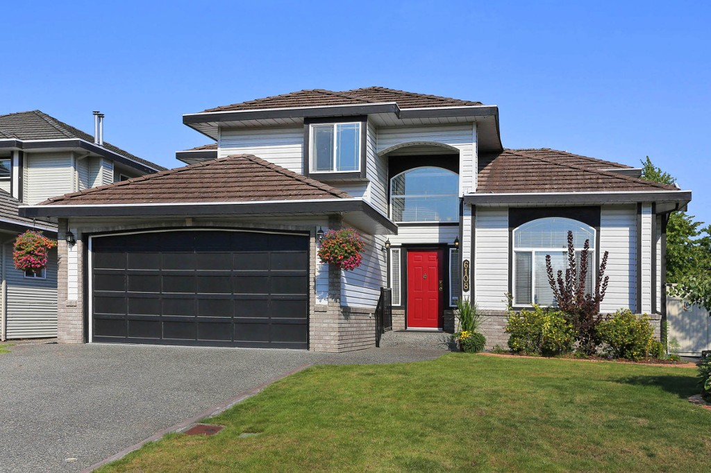"Main Photo: 6108 169TH Street in Surrey: Cloverdale BC House for sale in ""PARKVIEW TERRACE"" (Cloverdale)  : MLS® # F1449685"