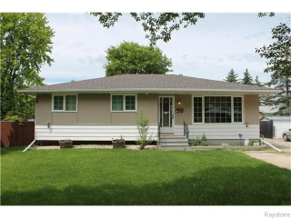 Main Photo: 82 Normandy Drive in Winnipeg: Westwood / Crestview Residential for sale (West Winnipeg)  : MLS(r) # 1616096