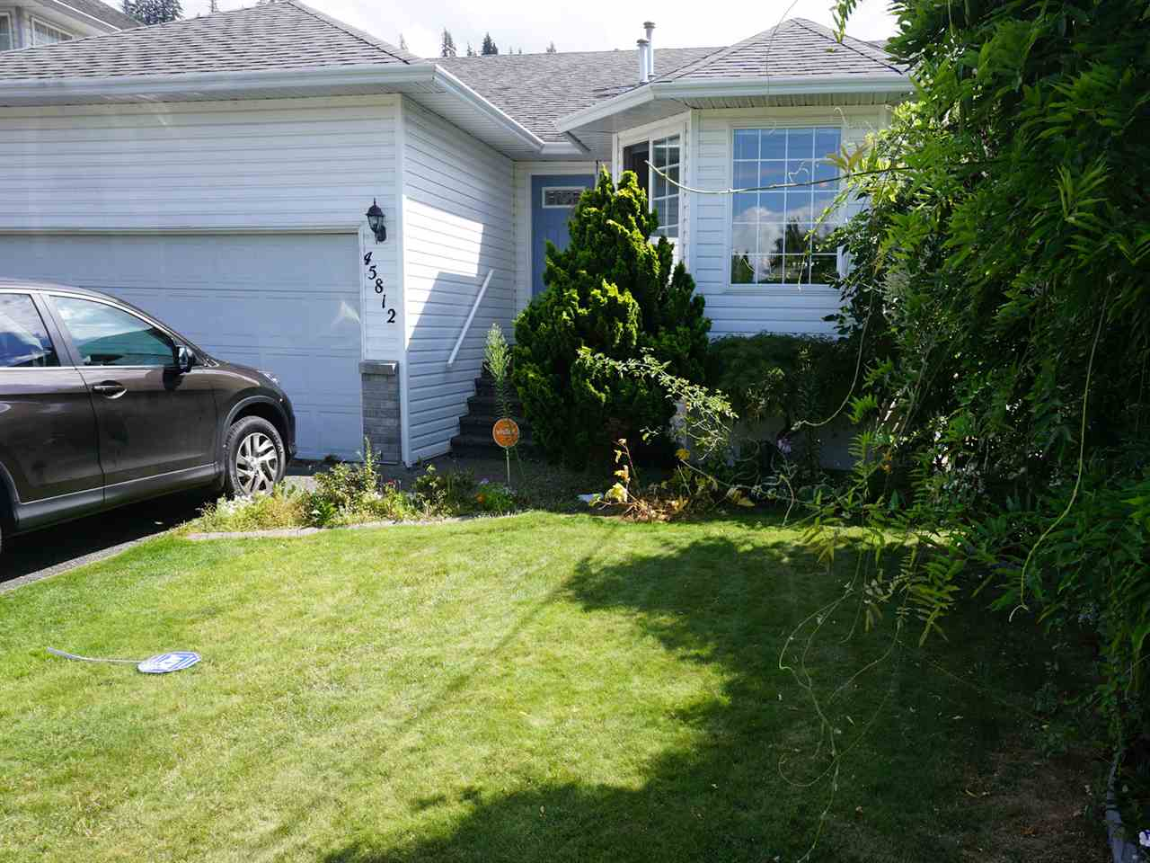 Main Photo: 45812 THOMAS Road in Sardis: Vedder S Watson-Promontory House for sale : MLS® # R2093413