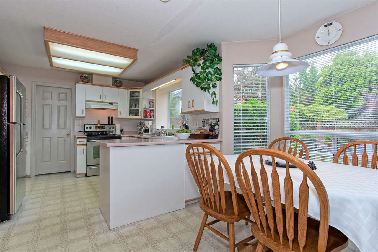 "Photo 9: 6325 HOLLY PARK Drive in Delta: Holly House for sale in ""HOLLY PARK"" (Ladner)  : MLS(r) # R2101161"