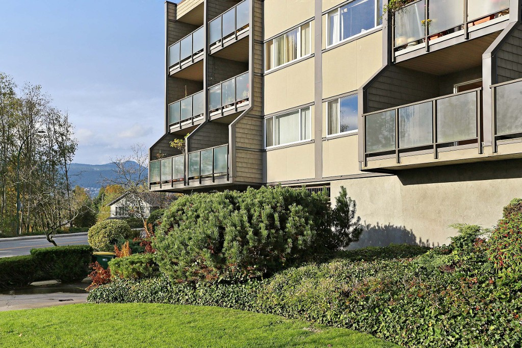 "Photo 13: 109 212 FORBES Avenue in North Vancouver: Lower Lonsdale Condo for sale in ""Forbes Manor"" : MLS(r) # R2121714"
