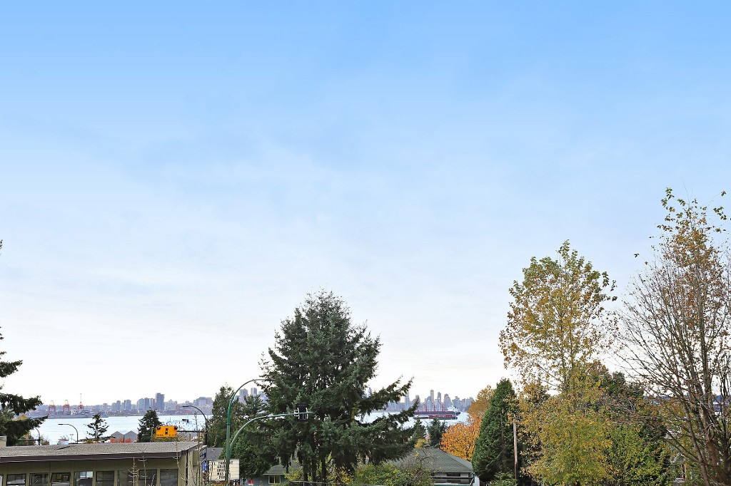 "Photo 9: 109 212 FORBES Avenue in North Vancouver: Lower Lonsdale Condo for sale in ""Forbes Manor"" : MLS(r) # R2121714"