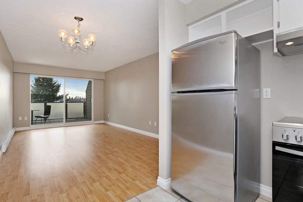 "Photo 5: 109 212 FORBES Avenue in North Vancouver: Lower Lonsdale Condo for sale in ""Forbes Manor"" : MLS(r) # R2121714"