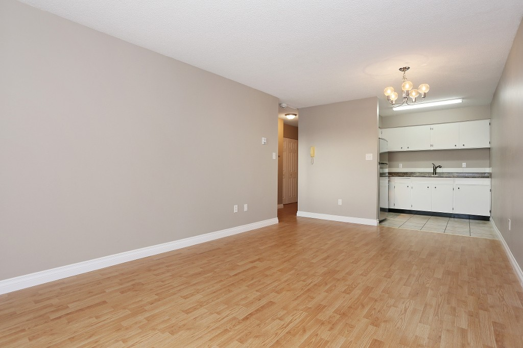 "Photo 4: 109 212 FORBES Avenue in North Vancouver: Lower Lonsdale Condo for sale in ""Forbes Manor"" : MLS(r) # R2121714"