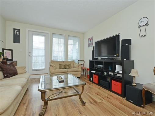 Photo 4: 103 2685 Deville Road in VICTORIA: La Langford Proper Townhouse for sale (Langford)  : MLS® # 373692