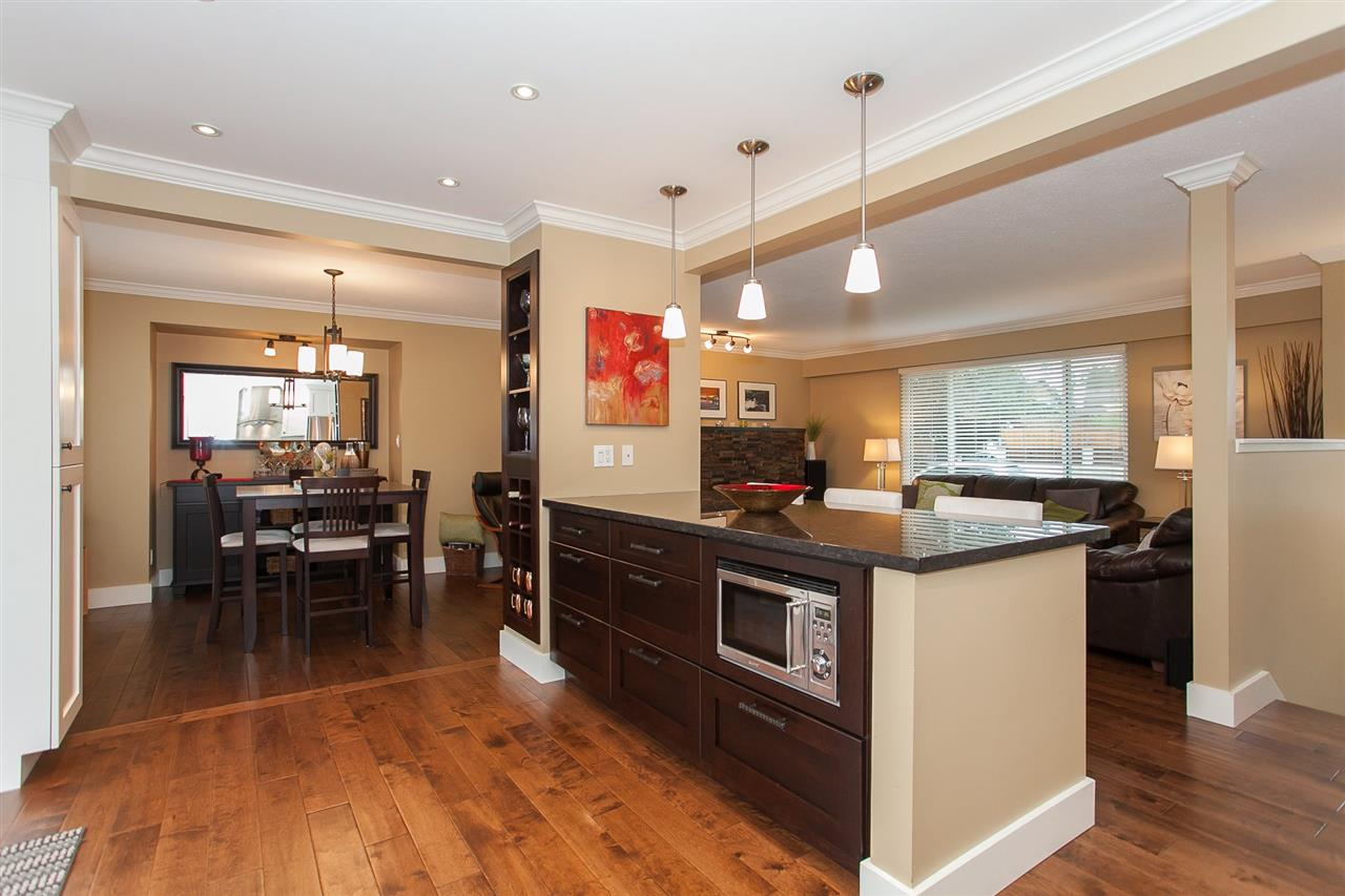 Photo 7: 730 TOWNLEY Street in Coquitlam: Coquitlam West House for sale : MLS(r) # R2136299
