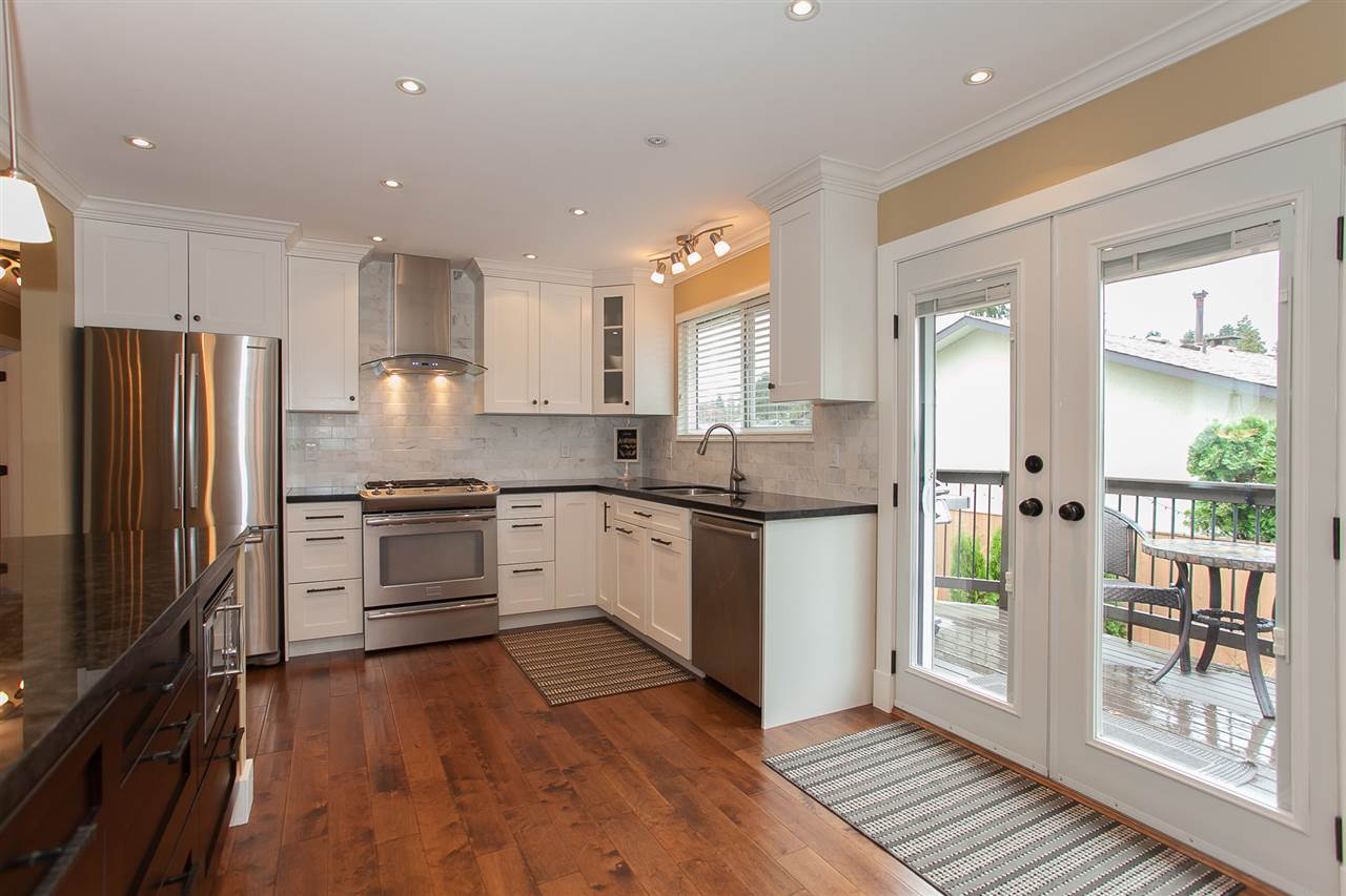 Photo 9: 730 TOWNLEY Street in Coquitlam: Coquitlam West House for sale : MLS(r) # R2136299