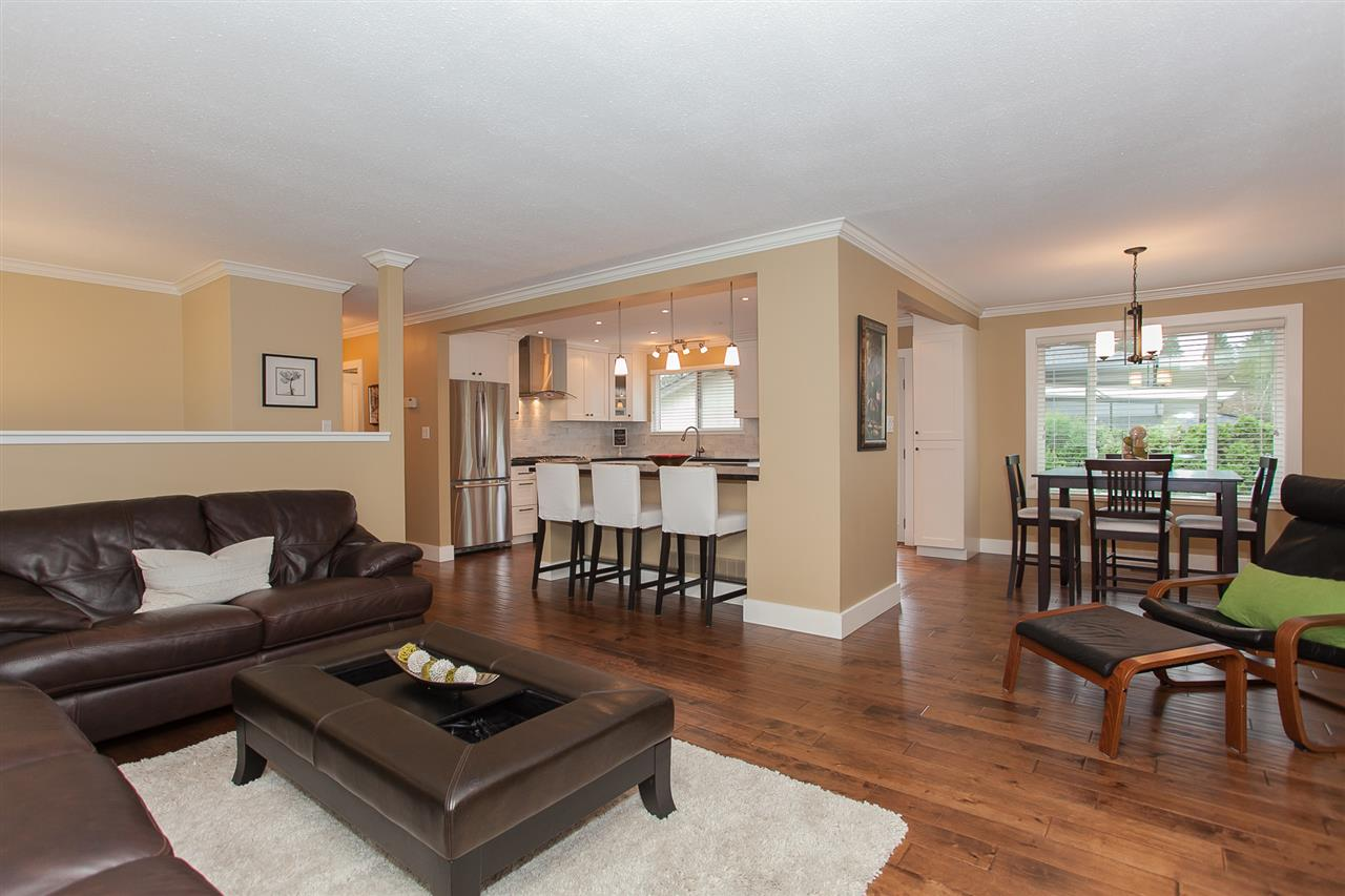 Photo 4: 730 TOWNLEY Street in Coquitlam: Coquitlam West House for sale : MLS(r) # R2136299