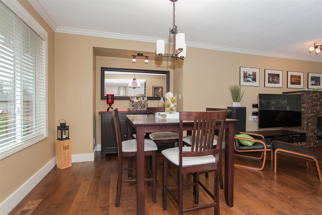 Photo 8: 730 TOWNLEY Street in Coquitlam: Coquitlam West House for sale : MLS(r) # R2136299