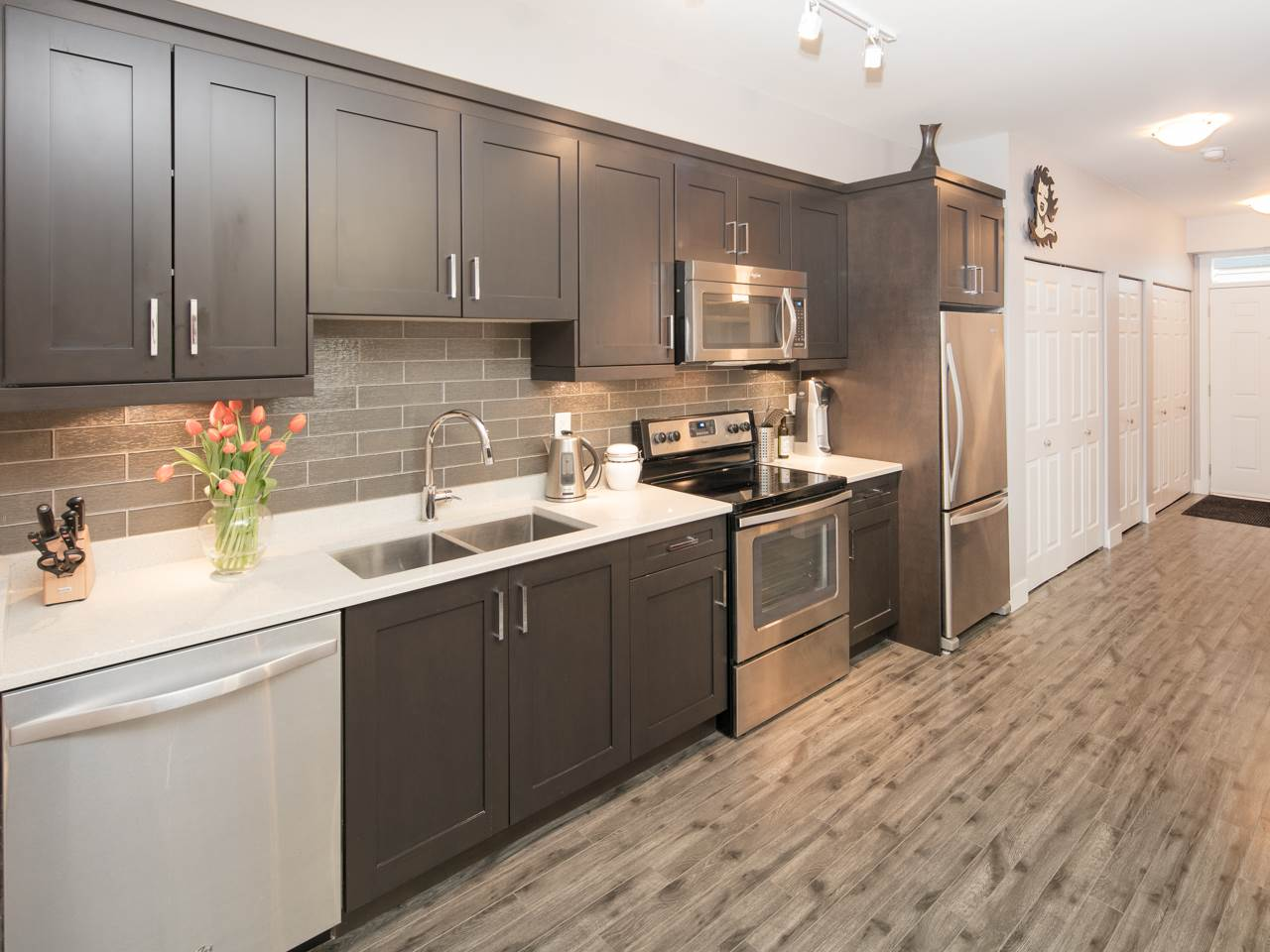 "Photo 4: 110 2273 TRIUMPH Street in Vancouver: Hastings Townhouse for sale in ""Triumph"" (Vancouver East)  : MLS(r) # R2138371"