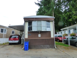 "Main Photo: 14 24330 FRASER Highway in Langley: Otter District Manufactured Home for sale in ""LANGLEY GROVE ESTATES"" : MLS® # R2198499"