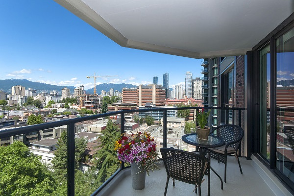 "Main Photo: 1403 1010 BURNABY Street in Vancouver: West End VW Condo for sale in ""THE ELLINGTON"" (Vancouver West)  : MLS® # R2205022"