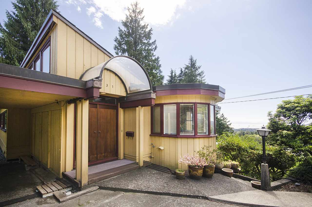 Main Photo: 231 W BALMORAL ROAD in North Vancouver: Upper Lonsdale House for sale : MLS® # R2190109